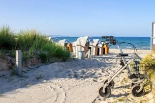 Rollator am Strand