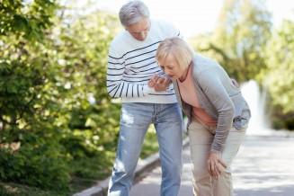 Schlaganfall: Symptome & Anzeichen erkennen