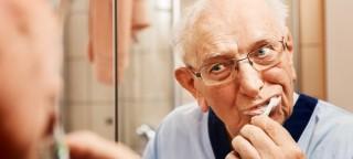 Gesunde Zähne im Alter
